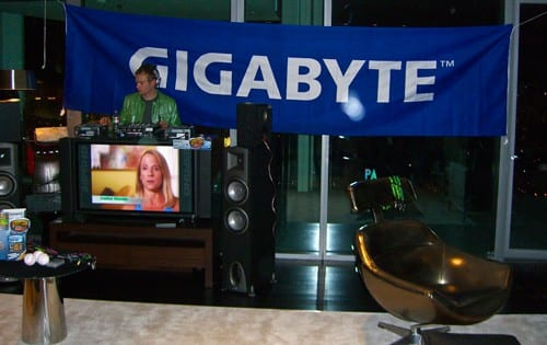 GIGABYTE Shows Strong Community Spirit at CES 2009