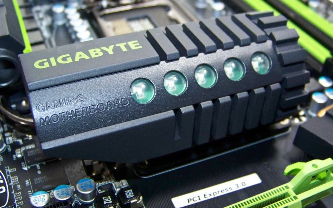 Futurelooks Unboxes the GIGABYTE G1-Killer Sniper 2 Gaming Motherboard (Video)