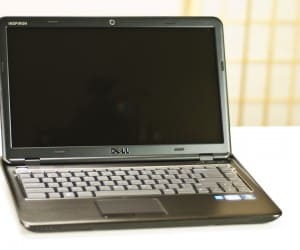 Futurelooks Unboxes the DELL Inspiron 14z Laptop (Video)