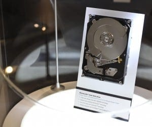 CES 2012 - Seagate Shows Off Momentus XT 750GB Performance, New 1TB Platters and Thunderbolt Drives for Mac (Video)