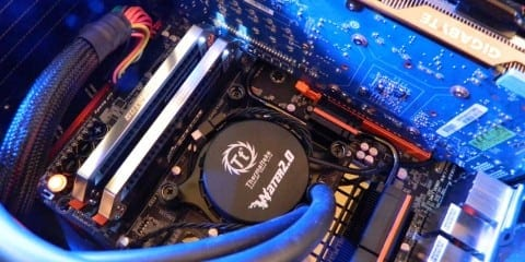"""Futurelooks Video Unboxes and Previews the New GIGABYTE P67A-UD7 """"Sandy Bridge"""" Motherboard"""
