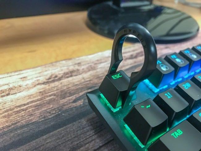 HyperX Double-Shot PBT Keycaps - Pulling Keycaps