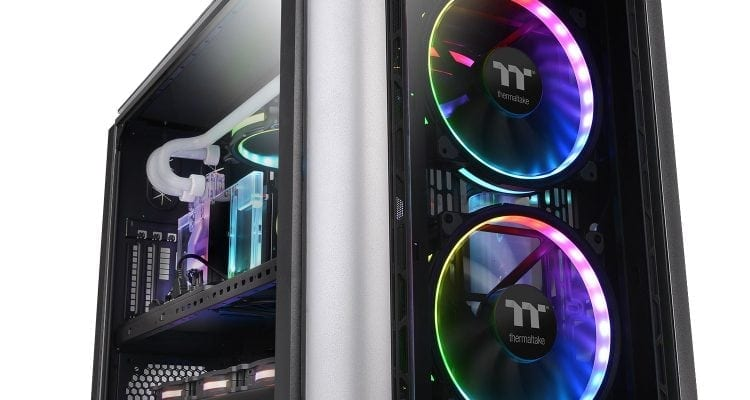 TT Level 20 XT: What Does a Computer Case Look Like in 2019?